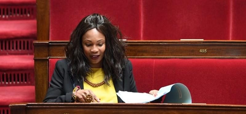 Az adóhivatal közbeszúrt, a franciáknál ez is elég volt az olimpiai bajnokból lett politikus lemondásához