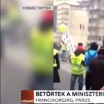 Targoncával törtek be egy minisztériumba a sárgamellényesek Párizsban