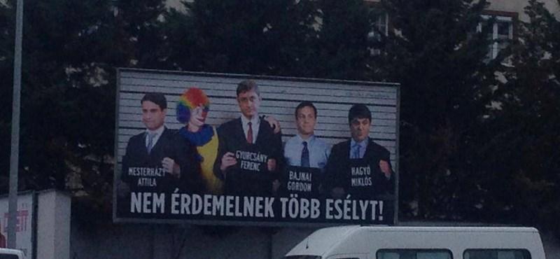 Otthon ragaszthat még plakátot az ellenzék