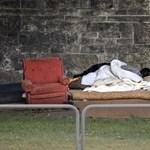 Karácsonyi képeslapokon üzentek a hajléktalanok az alkotmánybíróknak