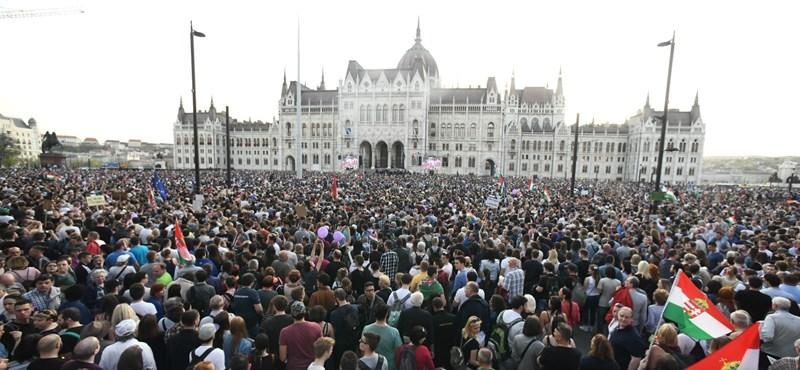 Lezárják egy időre május 8-án a Kossuth teret