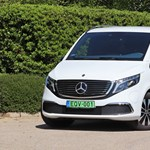 Nagycsaládosok villanásnyi álma: teszten a 7 üléses, elektromos Mercedes EQV