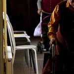 Látogatási tilalmat rendeltek el a zalaegerszegi és szolnoki idősotthonokban