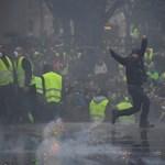 Új törvénnyel fékeznék meg a tüntetéseket Franciaországban