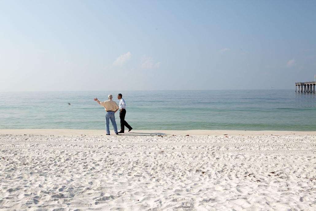 lehetőleg ne - flickrCC_! - 10.06.15.  április 20-án történt olajkatasztrófa után Barack Obama látogatást tesz a Mexikói - öböl partvidékén.