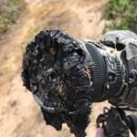 Így néz ki egy fényképezőgép, amit túl közel vitt a fotós a Falcon 9-es rakétához + videó