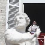 Ismét a menekültek mellett emelt szót a pápa
