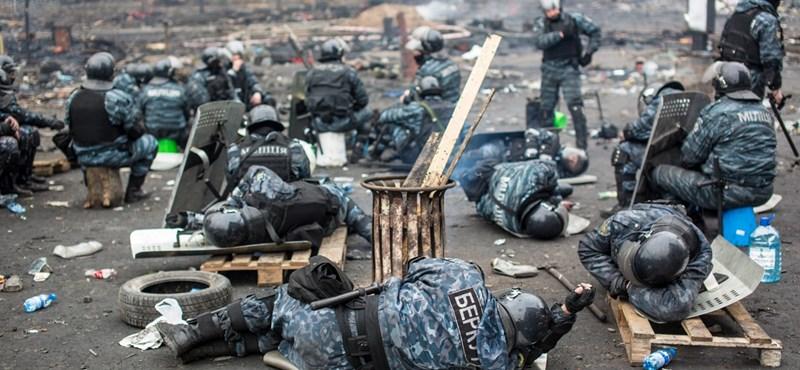 Feloszlatták a Berkutot, az ukrán rendőrség különleges egységét