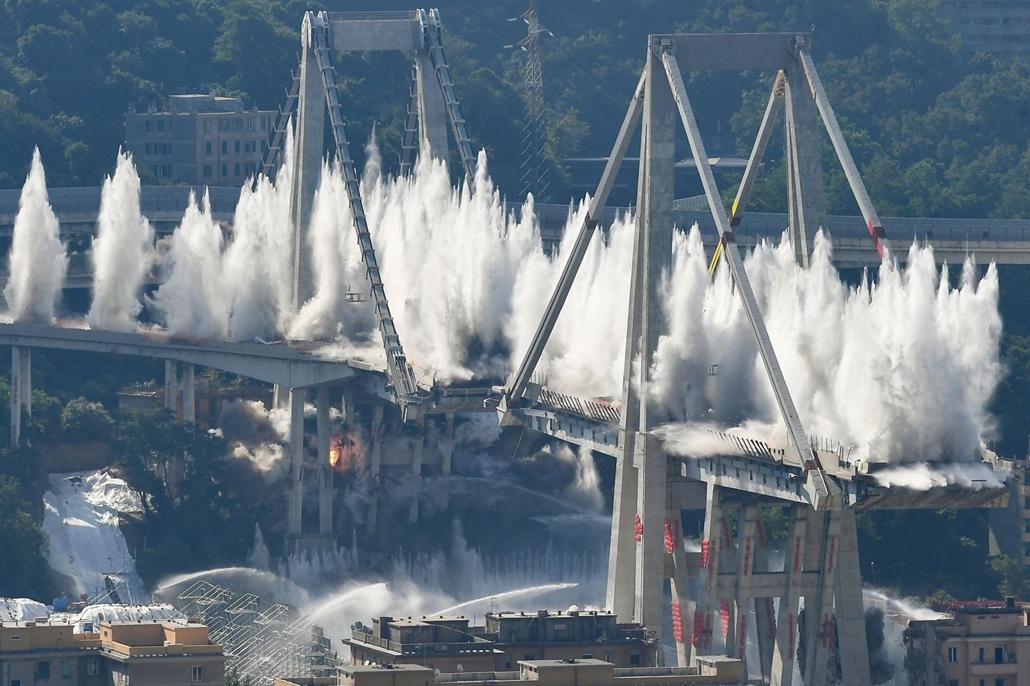 afp.19.06.28. Morandi híd felrobbantása Olaszország