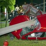 Villanyoszlopnak csapódott egy autó – fotó