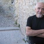 Coelho ingyen osztogatná könyveit Afrikában