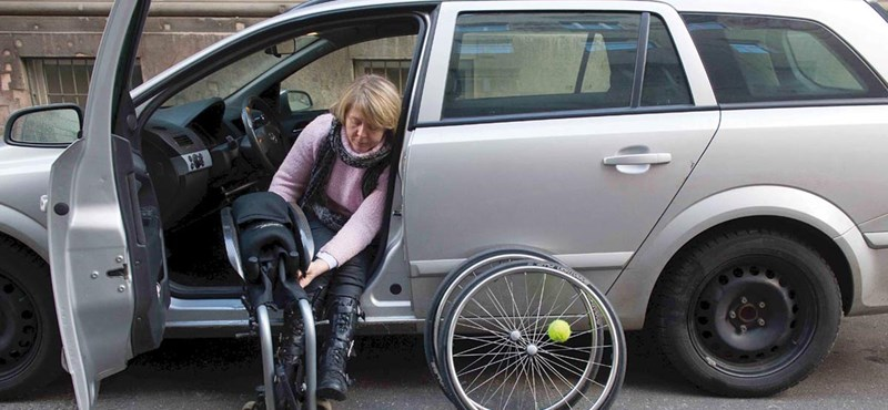 A fogyatékosok fizetik meg a kormányzati tétlenkedést