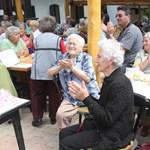 Jobb otthonokban lakhatnak a nyugdíjasok