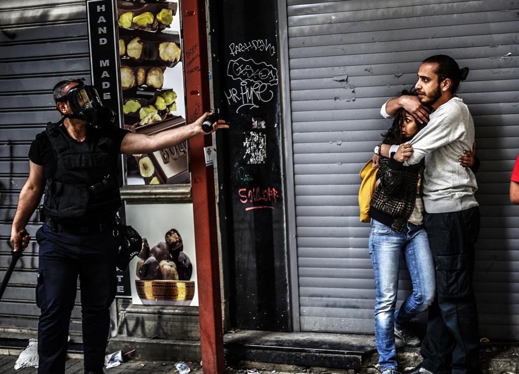 afp.14.05.31. - Isztambul, Törökország: tüntetések - 7képei nagyítás