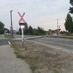 Nagyon szép az új vasúti átjáró Solton, kár, hogy nem jár már ott vonat – fotók