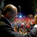 Erdogan a népére hivatkozva akar halálbüntetést