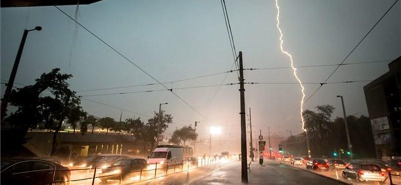 Fotók: Hatalmas vihar volt Budapesten, több BKV-járaton fennakadás van