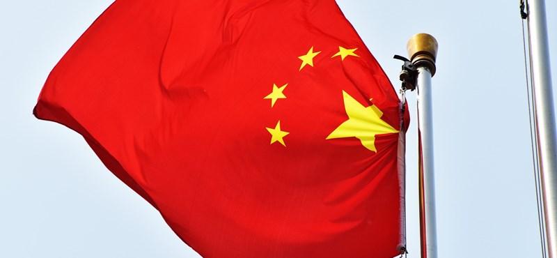 Késsel támadt az emberekre egy elmeháborodott férfi Kínában