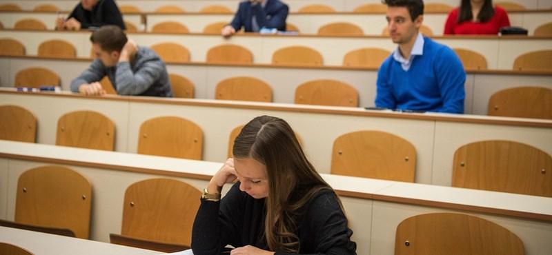 A legtöbb egyetemen visszaállhat a hagyományos oktatás szeptembertől