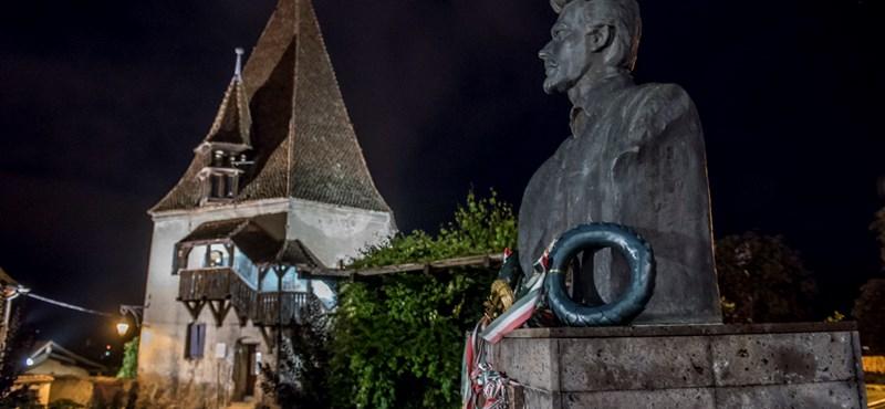 Kínos lehetett Petőfi verse, inkább másikat kerestek az NKE ünnepségére