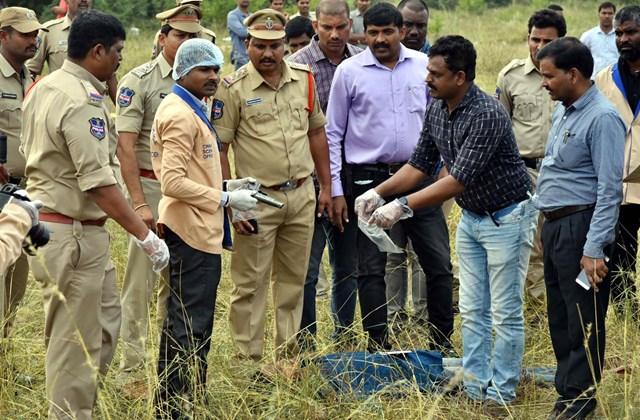 afp.19.12.06. India, szexuális erőszak, gyilkosság, 27 éves állatorvos, helyszínelés