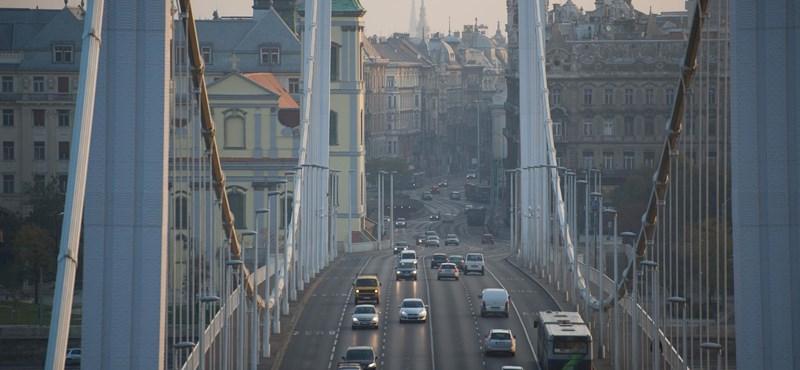 Baleset miatt lezárták az Erzsébet hidat