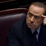 Mégis Milánóban állítják bíróság elé Berlusconit
