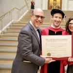 Videó: zseniális beszédet mondott Mark Zuckerberg a Harvardon