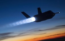 """210 milliárd euró az """"önvédelmi erők rugalmas reagálási képességének fokozására"""" Japánban"""