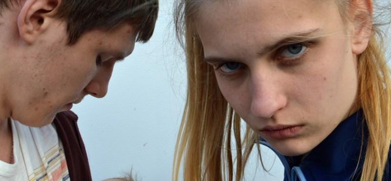 Meg kellene értened a lányt és a fiút – mégis menekülnél előlük