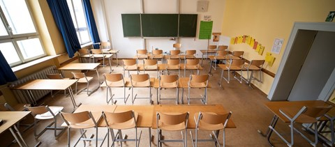 A világ iskolásainak fele még mindig nem vehet részt személyesen az órákon