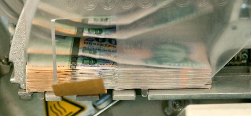 Egy évvel meghosszabbítják Matolcsy olcsó hitelprogramját