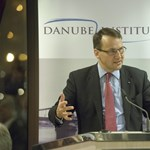 A volt lengyel külügyminiszter a második világháborús magyar részvétellel üzent Deutsch Tamásnak