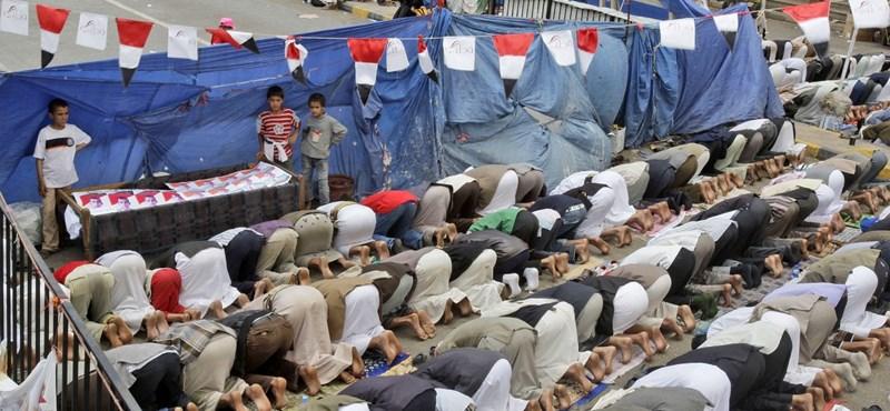 Menekülnek az emberek Jemen fővárosából