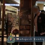 Elfogta a rendőrség a több százezer forintos gulyást számlázó Váci utcai pub dolgozóit