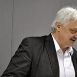 A Magyar Idők főszerkesztője mélyen meghajol a szerény képviselői fizetésemelés előtt