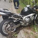 Szakadékba zuhant és meghalt egy 21 éves motoros Felsőtarkánynál