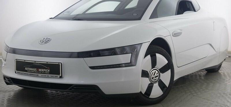 Csak 1 litert fogyaszt, de 35 millió forintot kérnek ezért a szuperritka VW-ért