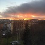 Fotó: Apokaliptikus volt a mai naplemente Óbudáról nézve
