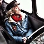 Budapest utcafotó: büszkeség a 109-es buszon