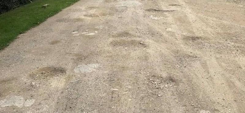 Lefújtak egy pestszentlőrinci útfelújítást, mert a helyiek azt kérték, maradjon földút