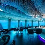 Robotok és víz alatti szállodák várnak majd az utazgató turistákra