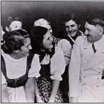 Adolf Hitler hüjje!