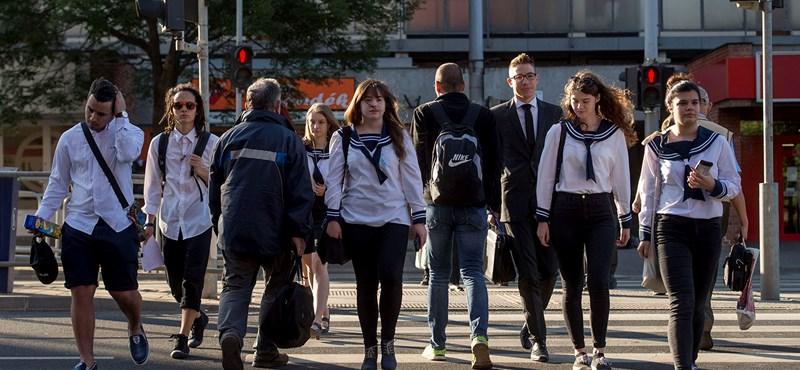 Jön a feketeleves: több ezer forintot veszítenek az érettségizők szülei