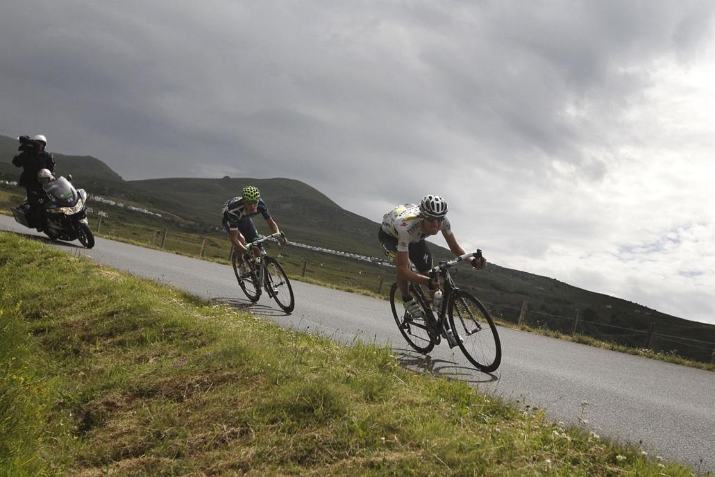 Tour de France 2011 - Nagyítás - 8. szakasz: a futam győztese Rui Alberto Costa előtt Tejay Van Garderen, a HTC-Highroad versenyzője.