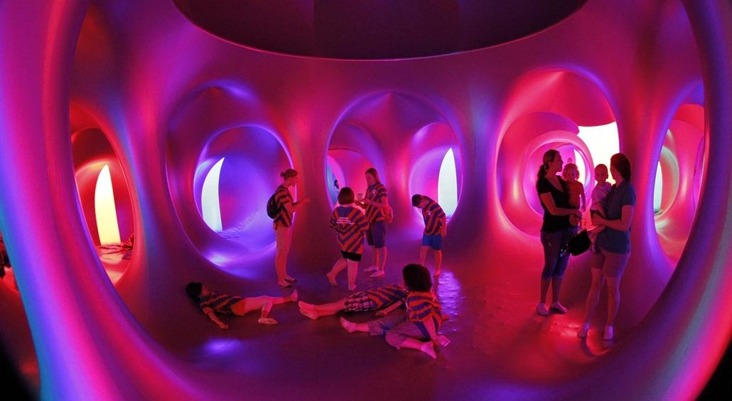 Gyermekek a pennsylvaniai z Amococo lumináriumban.