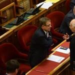 Első körben átment a félkész költségvetés