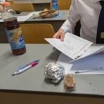 """Érettségi tétel lett a Honeybeast """"Legnagyobb hős"""" című száma Szegeden"""