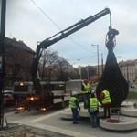 Visszakerült a Moszkva tér egyik szimbóluma – fotó