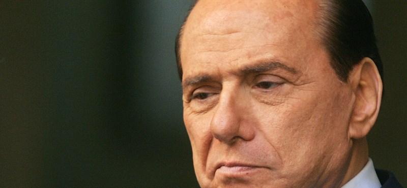 3 év letöltendőre ítélték Berlusconit, mert kenőpénzzel buktatta meg a Prodi-kormányt